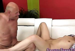 Teen cummed by age-old dude