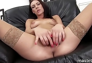 Foxy czech girl stretches her spread cunt to the unusual