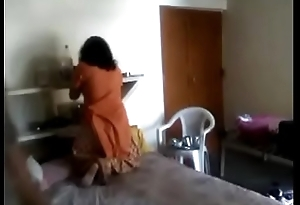 Cute desi housewife latest cam mating MMS scandal on indiansxvideo.com