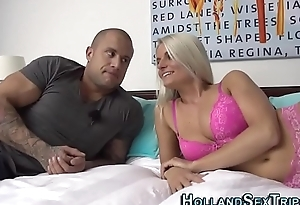 Hooker eats out pussy