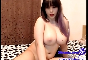 Showing off her big tits - 36cams.com