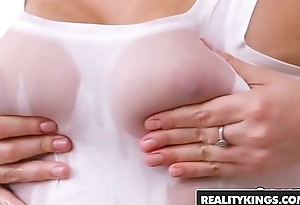 RealityKings - Sneaky Sex - Super Hot Masseuse